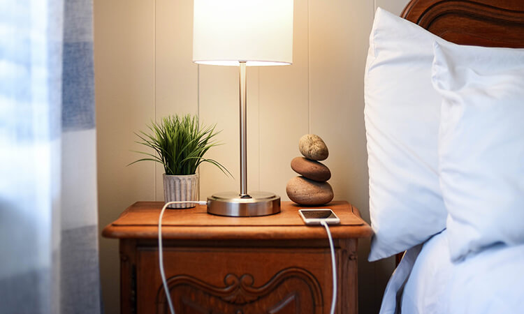 How Tall Should Nightstand Lamps Be